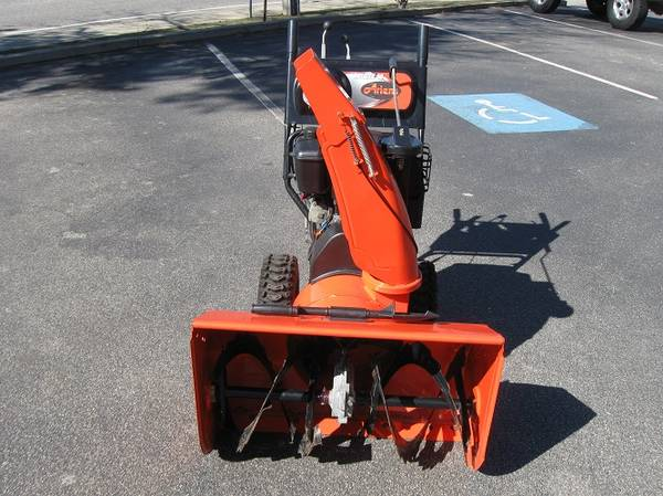 Photo 30quot Ariens Snow Blower - $700 (PLYMOUTH)