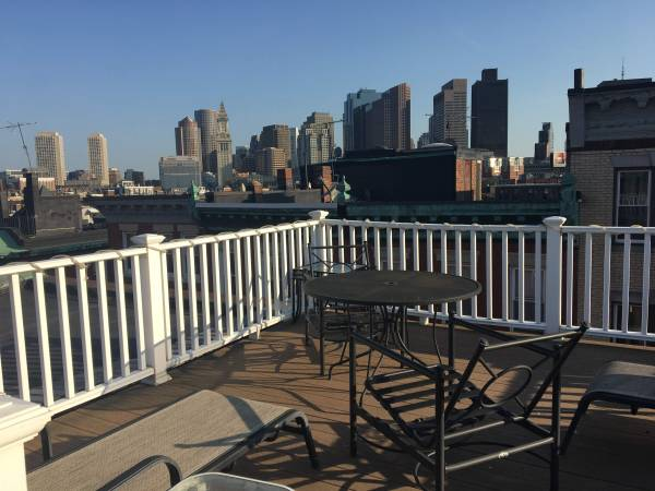 Photo Amazing Roofdeck Deal (North End)
