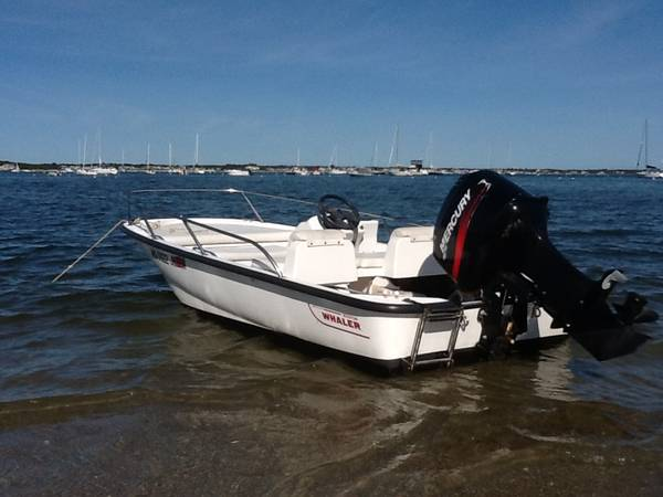 Photo Boston Whaler 2004 Sport 1339 with 40 hp Merc - $9,800 (West Yarmouth)