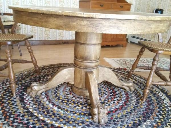 Photo Claw-foot Oak Dining Table - $40 (South Yarmouth, MA)