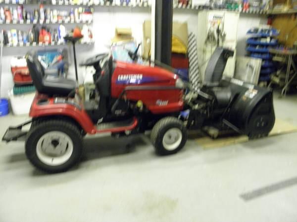Photo Craftsman rider tractor with snowblower - $1,000 (Centerville)