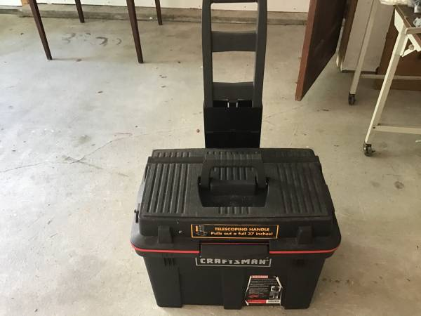 Photo Craftsman rolling tool box with telescoping handle - $30 (Cotuit)