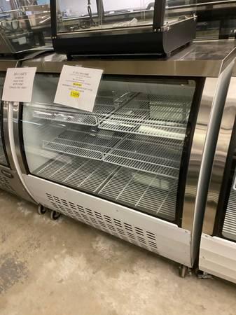 Photo Deli case bakery display case freezers refrigerator glass door restaurant equipm - $2,199 (Dennis Port)