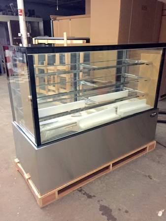 Photo Deli case pastry bakery display NEW beautiful  RESTAURANT equipment - $3,499 (Free delivery)