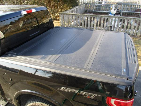 Photo Ford F150 Bed Liner and Bed Cover - $110 (Eastham)
