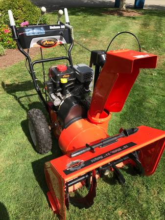 Photo Like New Ariens Gas Deluxe 28quot 254 cc Gas Snow Blower - $950 (Bourne)