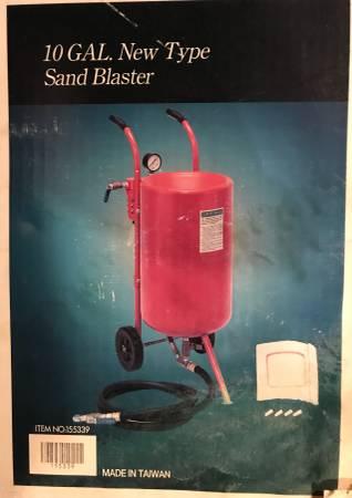 Photo New in box 10 gal Sand Blaster - $90 (Pocasset)