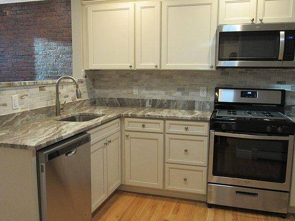 Photo North End Apartment-April 1 --Sublet w high probability to fully rent (North End, Boston)