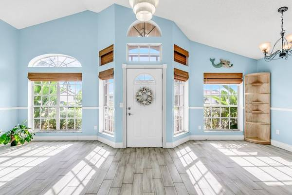 Photo Retire in this cute updated Florida home Minutes from our beaches (Port Saint Lucie)