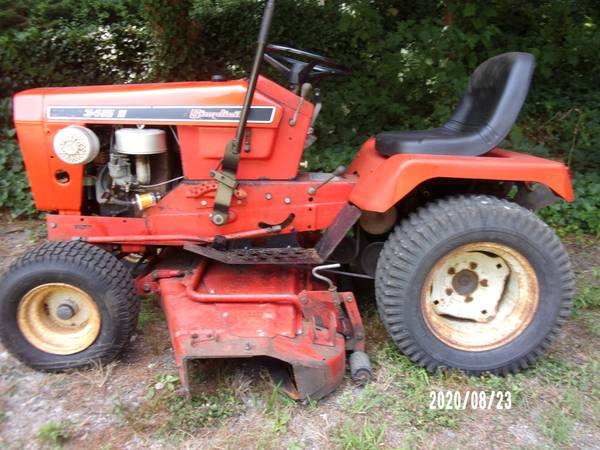 Photo Simplicity Tractor - $650 (East Falmouth)