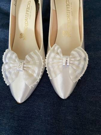 Photo Wedding Shoes (7 12 M) - $50 (Plymouth)
