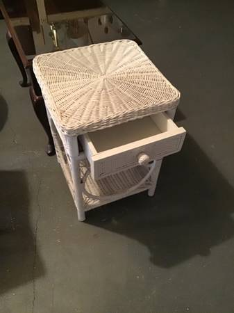 Photo White wicker side table - $30 (W. Chatham)