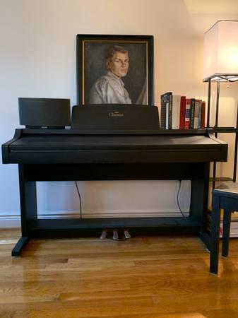 Photo Yamaha Clavinova CLP-411 Standing Piano Perfect Condition $900 OBO - $900 (Boston)
