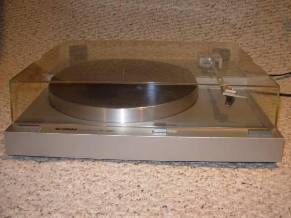 Photo Yamaha p-350 Turntable - $20 (Harwichport)