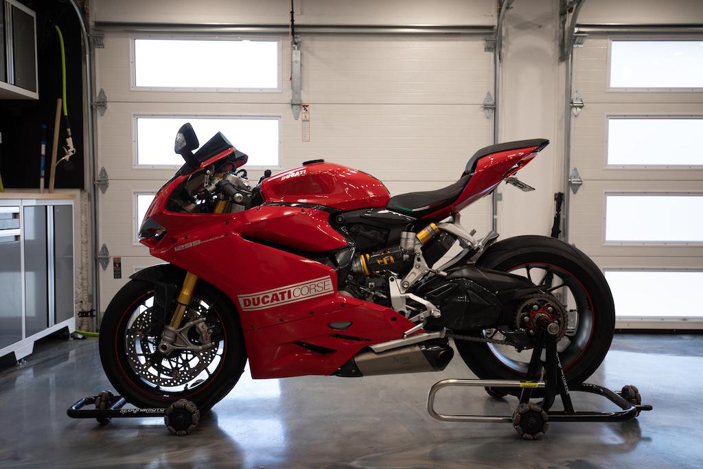 Photo 2015 Ducati SUPERBIKE 1299 PANIGALE S $17500323.75323.75