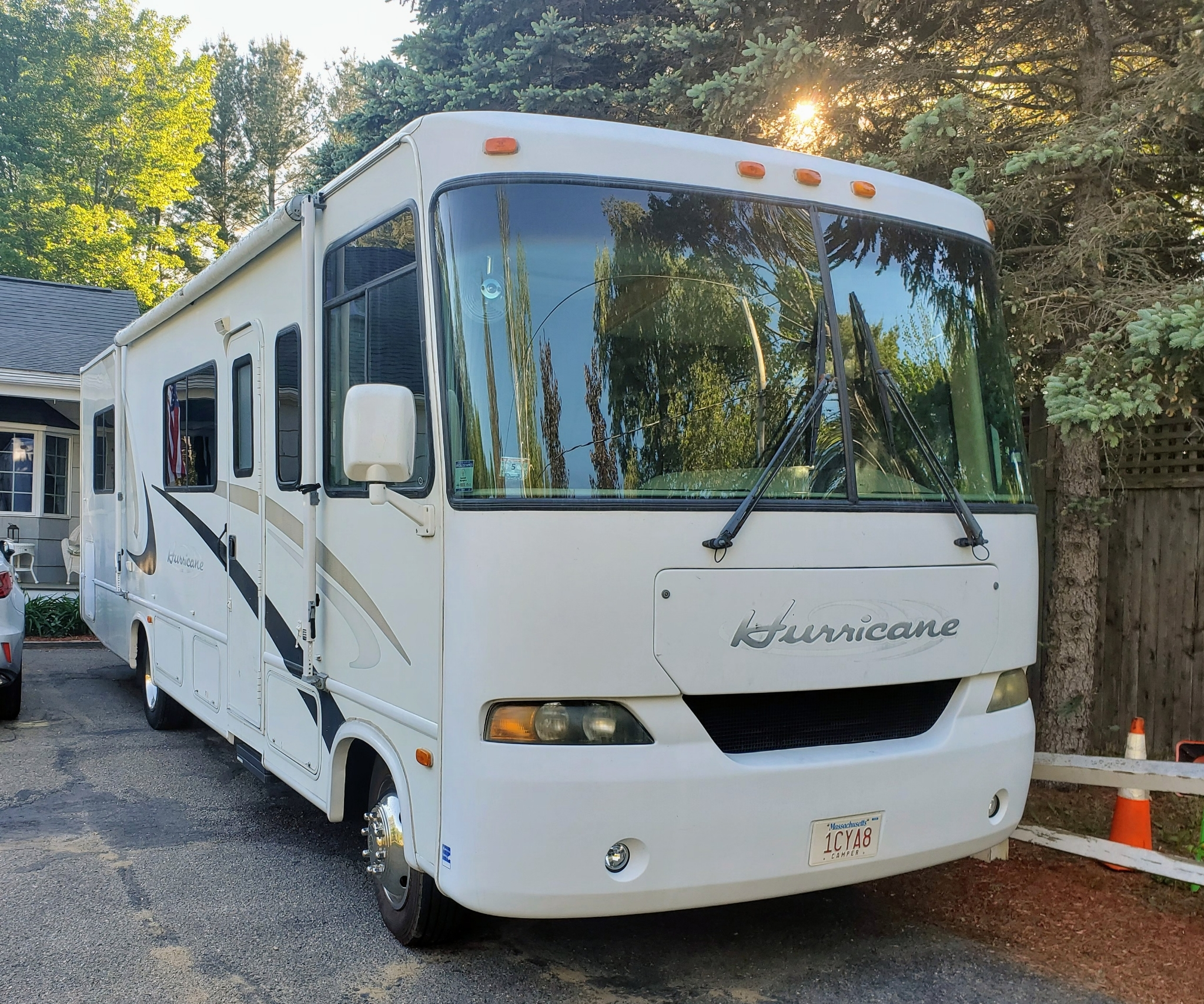 Photo Used 2015 Prime Time Manufacturing Travel Trailer RV  $17999