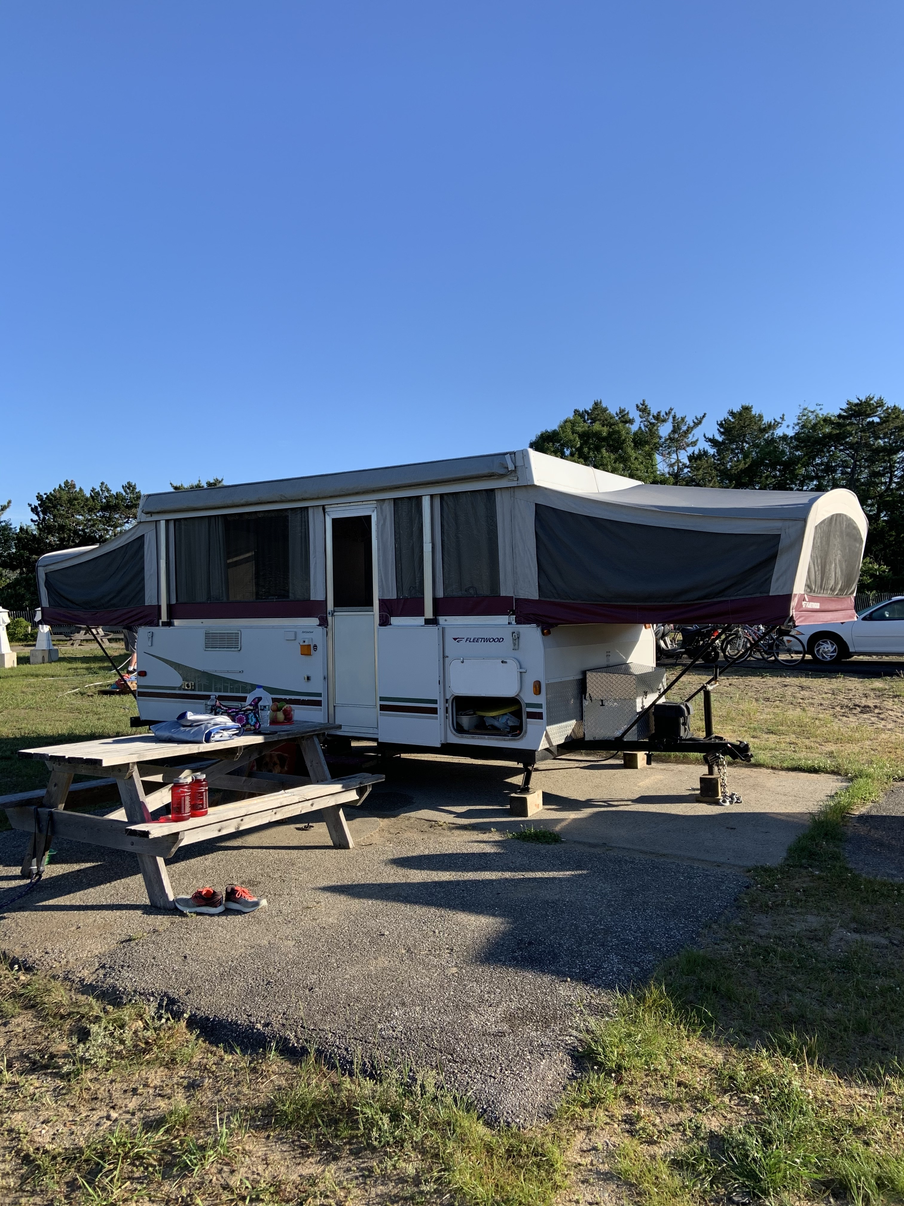 Photo Used 2006 Fleetwood Pop Up Cer RV  $7500