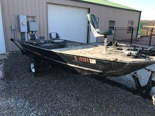 Photo 16ft Boat Flat Bottom - $2,000 (Bluford)