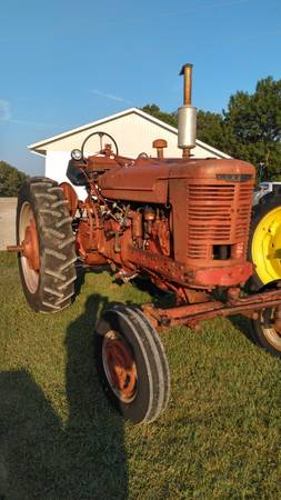 Photo 1951 Farmall M Wide front 3 point live Hydr - $2,850 (Anna)