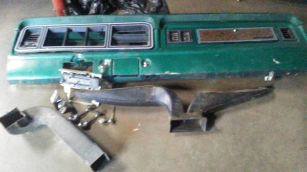 Photo 1978 ford f150 dash and parts