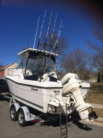 Photo 2000 SEASWIRL STRIPER 21 FT 200HP WALKAROUND CENTER CONSOLE HARD TOP - $7800