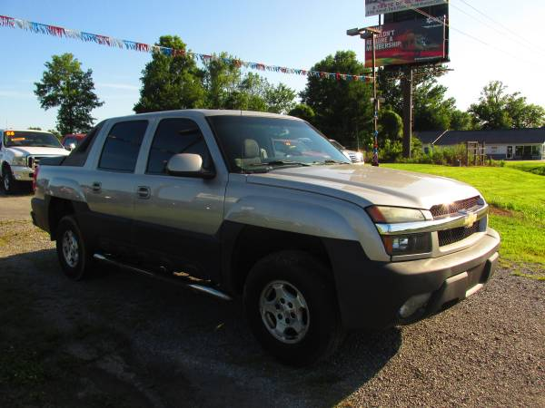 Photo 2004 Chevy Avalanche Crew Cab Autoautoworldil.comEXTRA CLEAN AVALAN - $6,995 (Carbondale,IL)