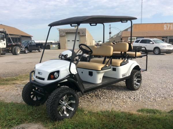 Photo 2020 E-Z-GO Express L6 72 volt 6 passenger Golf Cart - $12499 (AACO EVANSVILLE)