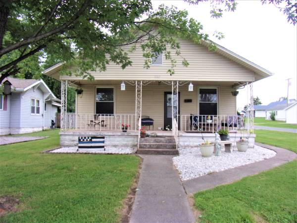 Photo 4-5 Bedroom Newly Updated home-Brokered by Diana Falmier-Century 21 (Herrin)