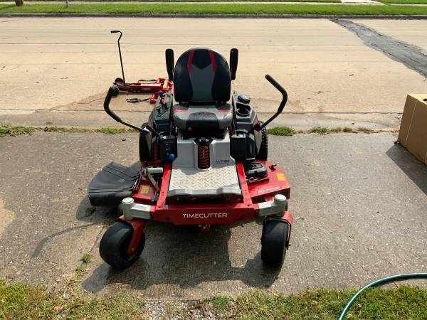 Photo 50 Commercial Toro Timecutter with Twin Bagger - $3,700 (Carbondale)