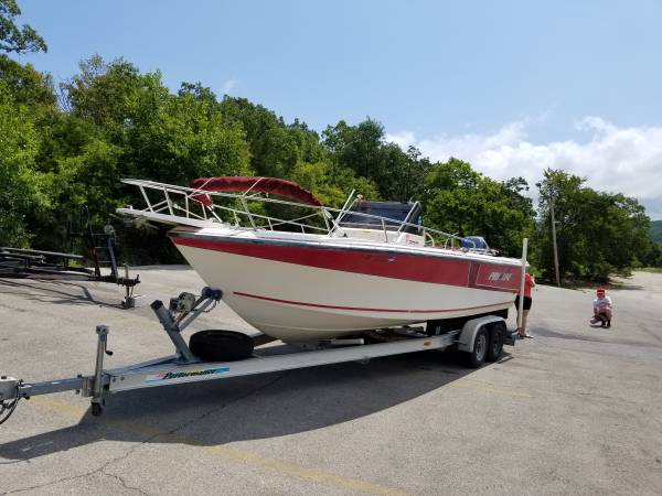 Photo Boat (Bay boat) center console PRO-LINE  Yamaha 225 saltwater series - $18,500 (Southeast Franklin county, MO.)