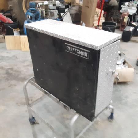 Photo Craftsman tool box - $50 (Cisne)