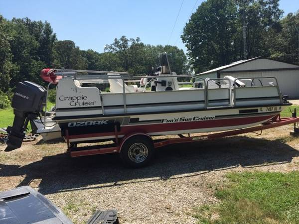 Photo Deck Boat - $10,500 (Sparta)