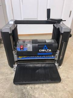 Photo Delta 22-560 portable planer - $150 (Breese)