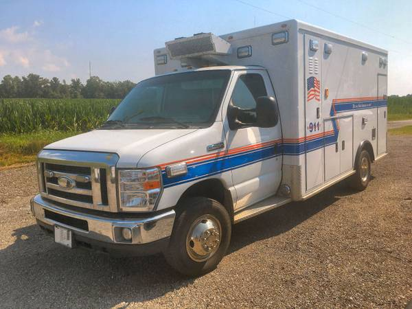 Photo FOR SALE 2013 Ford ambulance - $29,500 (Mt. Vernon)
