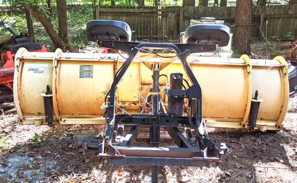 Photo Fisher Storm Guard Snow Blade - $1,200 (CARTERVILLE)