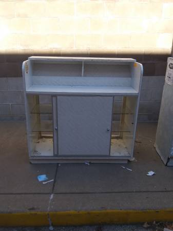 Photo Front desk display case for hair salon ..nail salon..or can be used as a display - $200 (Marion)