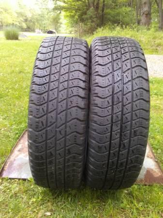 Photo Goodyear Wrangler 22560R16 Tires - $30 (Rural Benton)