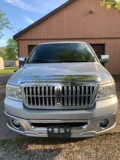 Photo Lincoln Mark LT 4x4 Ford 2007 Truck crew cab - $12500 (Centralia)