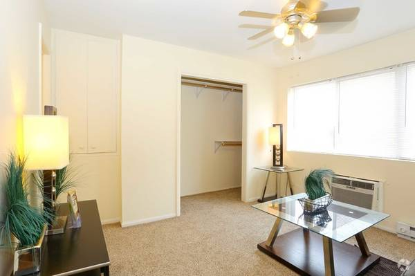 Photo Looking for quick move ins Look no more (Carbondale)