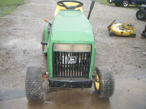 Photo VERY NICE OLDER JOHN DEER 175 KAWASAKI MOTOR 38 DECK ELECTRIC CLUTCH W - $200 (Mulkeytown)