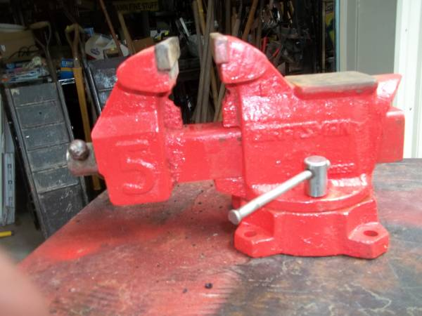 Photo VINTAGE CRAFTSMAN 53939 VICE WITH REVERSIBLE JAW - $100 (THOMPSONVILLE,ILL)
