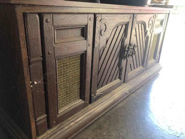 Photo Vintage stereo console Mediterranean Style - $25 (Carbondale)
