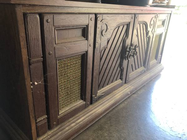 Photo Vintage stereo console Mediterranean Style - $50 (Carbondale)