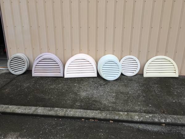 Photo Vinyl siding gable end vent Half moon round House white clay lavender - $5 (Raleigh)