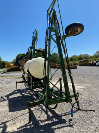 Photo Wetherell 3 point hitch sprayer - $1900