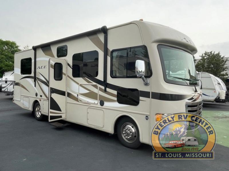 Photo Used 2015 Thor Motor Coach Class A RV  $69995