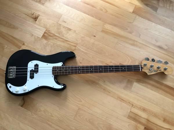 Photo 1987 Fender Squier Bullet Precision Bass - $395 (Ballston Lake, NY)