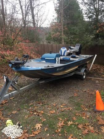 Photo 1989 mirrocraft bassfishing boat runs great starts everytim GREAT boat - $3,000 (New Milford)