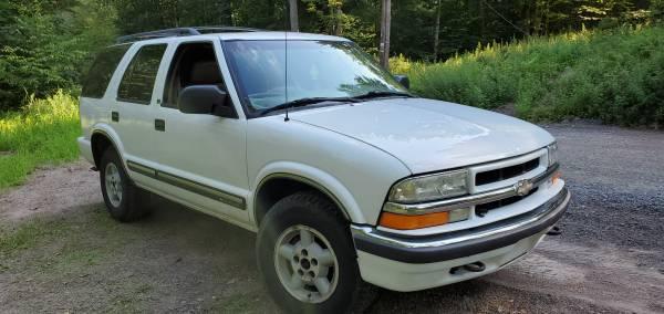 Photo 2000 Chevy Blazer 4x4 - $3,600 (beach lake PA)