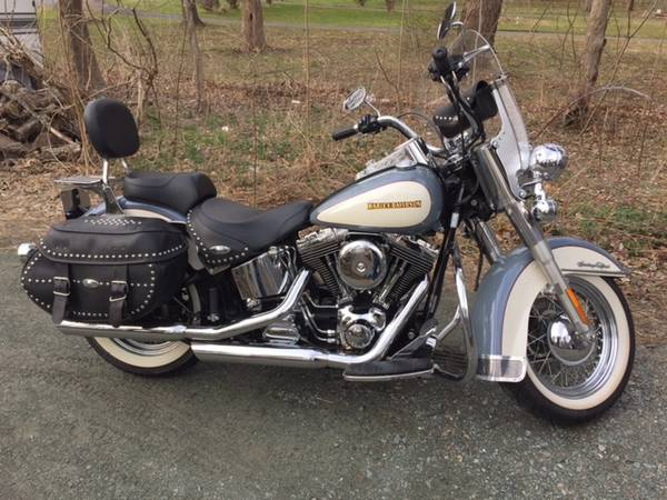 Photo 2002 Harley Davidson Heritage Softail Classic FI - $7,499 (East Greenbush)
